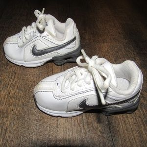 Nike shoes toddler boy size 5